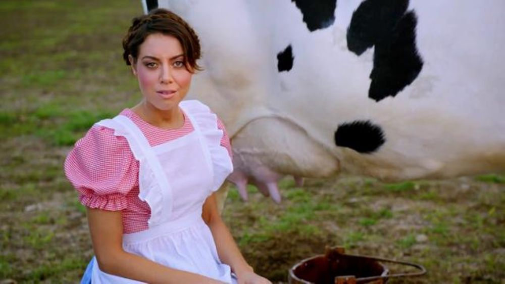Newcastle Brown Ale: Aubrey Plaza Prepares You for Band of Brands
