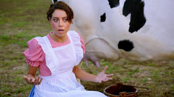 Newcastle Brown Ale TV Spot, 'Aubrey Plaza Prepares You for Band of Brands' - Thumbnail 5