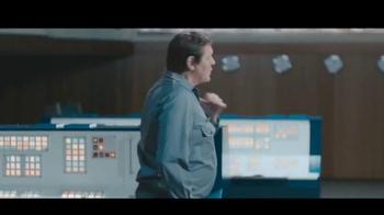 Nivea Men Sensitive Shaving Gel TV Spot, 'Car Race Shave Irritation' - Thumbnail 4