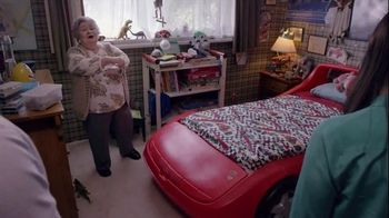 Booking.com TV Spot, 'Racing Car Bed'