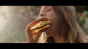 Carl's Jr. Grilled Cheese Breakfast Sandwich TV Spot, 'House Party' - Thumbnail 8
