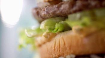 McDonald's Big Mac TV Spot, 'Te Quiero' [Spanish] - Thumbnail 1