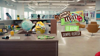 Crispy M&M's TV Spot, 'Globe' [Spanish] - Thumbnail 8