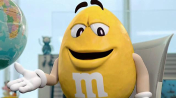 Crispy M&M's TV Spot, 'Globe' [Spanish] - Thumbnail 3