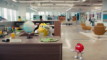 Crispy M&M's TV Spot, 'Globe' [Spanish] - 4777 commercial airings