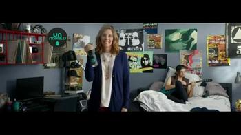 Downy Unstopables Air Refresher TV Spot, 'Foyer' - Thumbnail 3