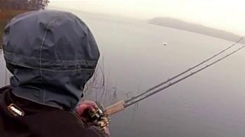 Frabill F-Series Storm Gear TV Spot, 'Storm Fishing' - Thumbnail 5