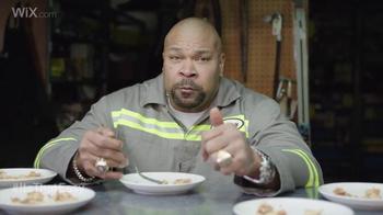 Wix.com Super Bowl Campaign TV Spot, 'Larry Allen Has Terrell Owens' Pies' - Thumbnail 3