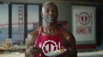 Wix.com Super Bowl Campaign TV Spot, 'Larry Allen Has Terrell Owens' Pies' - Thumbnail 7