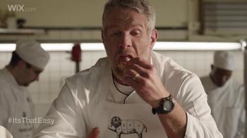 Wix.com Super Bowl Campaign TV Spot, 'Brett Favre & T.O. Pie Face Off' - Thumbnail 2