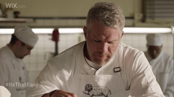 Wix.com Super Bowl Campaign TV Spot, 'Brett Favre & T.O. Pie Face Off' - Thumbnail 5