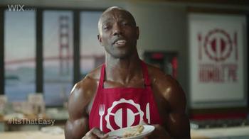 Wix.com Super Bowl Campaign TV Spot, 'Brett Favre & T.O. Pie Face Off' - Thumbnail 6
