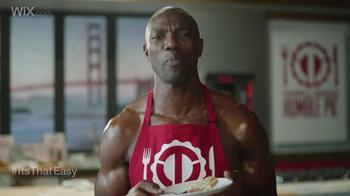 Wix.com Super Bowl Campaign TV Spot, 'Franco Harris Falls for T.O.'s Pies' - Thumbnail 4