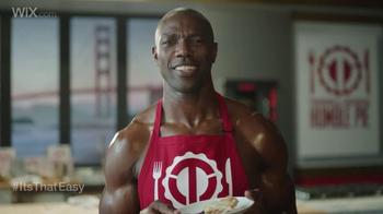 Wix.com Super Bowl Campaign TV Spot, 'Franco Harris Falls for T.O.'s Pies' - Thumbnail 5