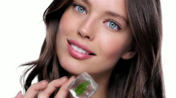 Maybelline New York Baby Lips Dr. Rescue TV Spot,'Auxilio' [Spanish] - 211 commercial airings