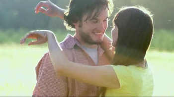 Helzberg Diamonds TV Spot, 'The Perfect Valentine's Day Gift' - Thumbnail 3