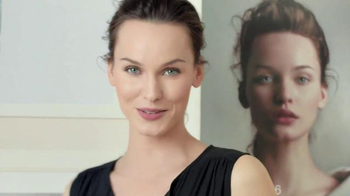 Olay Total Effects 7-In-One Anti-Aging Moisturizer TV Spot, 'Ivana' - Thumbnail 3
