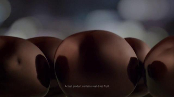 Dove Chocolate Real Cranberries TV Spot, 'Fruit Scavenger Hunt' - Thumbnail 10