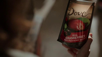 Dove Chocolate Real Cranberries TV Spot, 'Fruit Scavenger Hunt' - Thumbnail 2