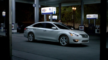 Nissan TV Spot, 'Gas Station Breakup' - Thumbnail 6