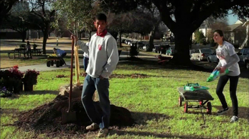 Volunteers of America TV Spot 'Action Team' feat. Michael Young - Thumbnail 5