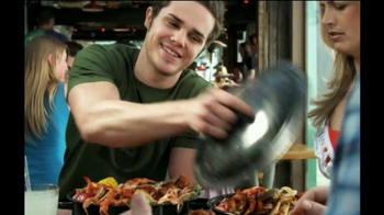 Joe's Crab Shack Classic Steam Pot TV Spot, 'Get Crackin'' - Thumbnail 10