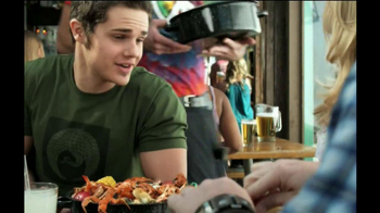 Joe's Crab Shack Classic Steam Pot TV Spot, 'Get Crackin'' - Thumbnail 6