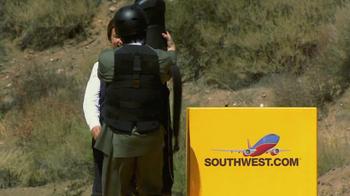 Southwest Airlines TV Spot, 'Bag Fee Barrage' - Thumbnail 9