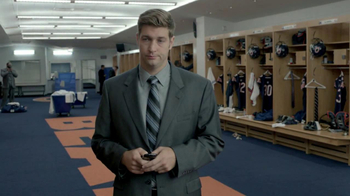 NFL Apparel TV Spot, 'Roommates' Featuring Jay Cutler and Roberto Garza - Thumbnail 7