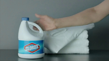 Clorox Bleach TV Spot, 'Bus Stop Nose Wipe' - Thumbnail 7