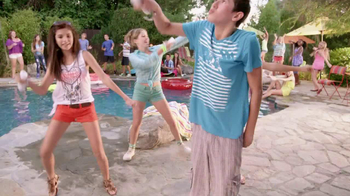 Just Dance 4 TV Spot, 'Us' - Thumbnail 10