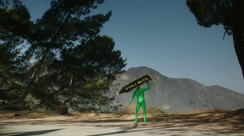 2013 Volkswagen Beetle TV Spot, 'Lost in the USA' - Thumbnail 5