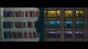 Budweiser TV Spot, 'Double Screens' - Thumbnail 3