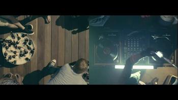 Budweiser TV Spot, 'Double Screens' - Thumbnail 8