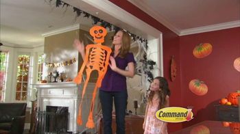 Command Clear TV Spot, 'Halloween Decorations' - Thumbnail 6