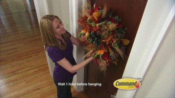 Command Clear TV Spot, 'Halloween Decorations' - Thumbnail 7