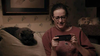 Verizon TV Spot, 'NFL Mobile' Featuring Stephanie Allynne - Thumbnail 3
