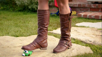 Famous Footwear TV Spot, 'Victory: More Than a Mom' - Thumbnail 4