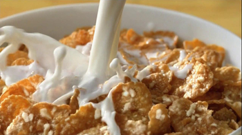 Crunchy Nut Cereal TV Spot, 'Cafe' - Thumbnail 6