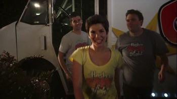Yahtzee TV Spot, 'Hasbro Game Night: Bringing the Game' - Thumbnail 4
