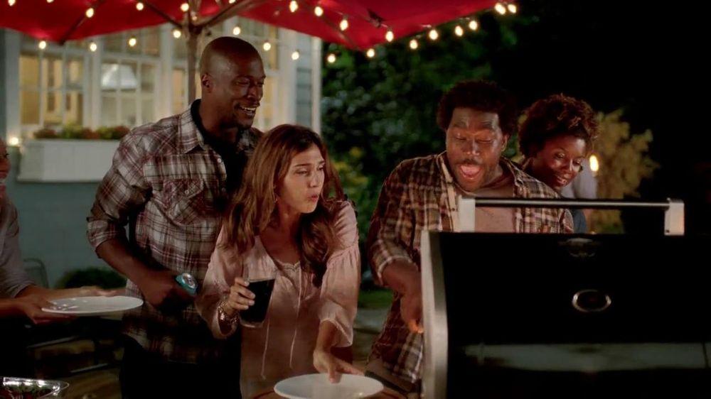 Lowe's Autumn Savings Days TV Commercial, 'Backyard BBQ'