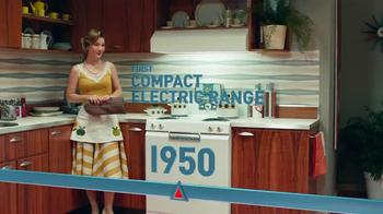Frigidaire Double Ovens TV Spot, 'Timeline' - Thumbnail 6