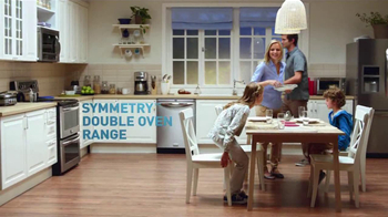 Frigidaire Double Ovens TV Spot, 'Legendary Innovation: Family Dinner'