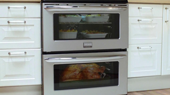 Frigidaire Double Ovens TV Spot, 'Timeline' - Thumbnail 8