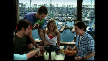 Joe's Crab Shack TV Spot 'Take Your Top Off' - Thumbnail 5