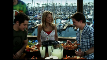 Joe's Crab Shack TV Spot 'Take Your Top Off' - Thumbnail 6