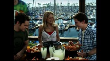 Joe's Crab Shack TV Spot 'Take Your Top Off' - Thumbnail 6
