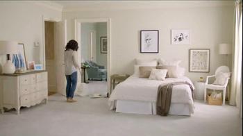 One Kings Lane TV Spot, 'The Broken Lamp' - Thumbnail 2