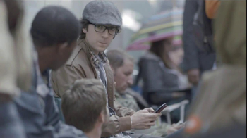Samsung Galaxy S III TV Spot, 'Ten-Hour Line' - Thumbnail 5