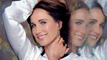 L'Oreal Visible Lift TV Spot Feat. Andie MacDowell - Thumbnail 10